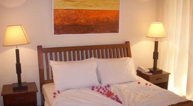 サンマリ ビーチ ホテル - Marawila - 寝室