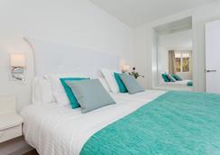 FERGUS Style Cala Blanca Suites - サンタ・ポンサ - 寝室