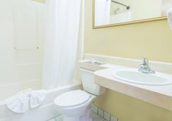 Hospitality Inn - ジャクソンビル - 浴室