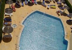 Apartamentos Turisticos Presidente - ポルティマン - プール
