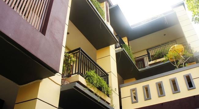 La Mulya Guest House - クタ - 建物