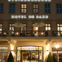 シュタイゲンベルガー ホテル デ ザクセ Hoteleingang bei Nacht