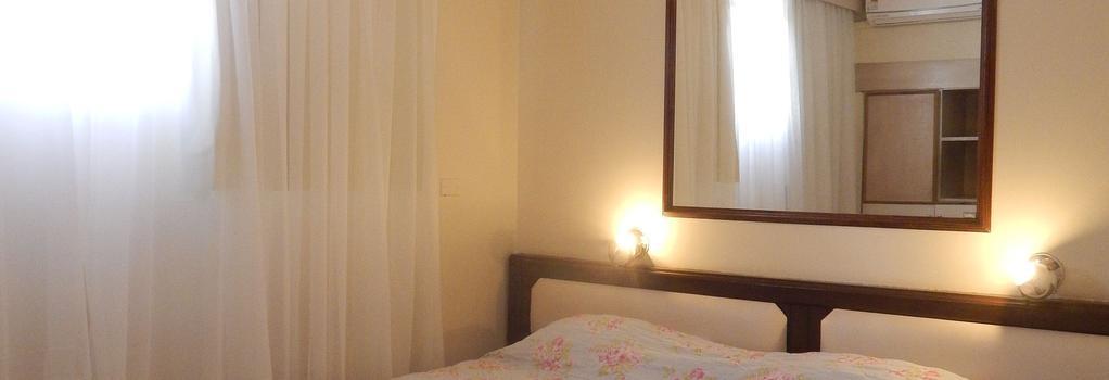 Hotel Savoy - クリティーバ - 寝室