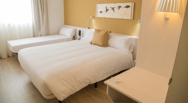 B&B ホテル ビラデカンス - Viladecans - 寝室
