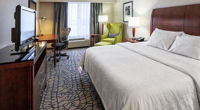 Hilton Garden Inn Louisville Northeast - ルイスビル - 寝室