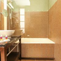 ホテル ル ロクロワ Bathroom