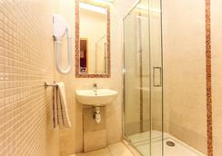 ル ヴィラージュ ホステル & バジェット ホテル - パリ - 浴室