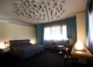 アルボルノス パレス ホテル