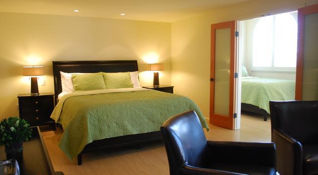 Bella Capri Inn - カマリロ - 寝室