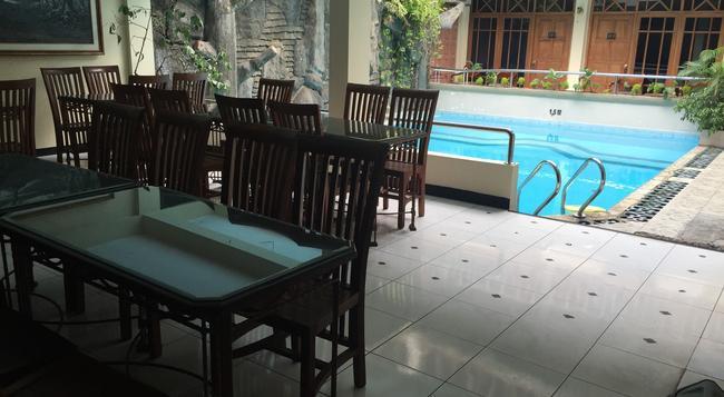 Cristalit Hotel - ジョグジャカルタ - レストラン