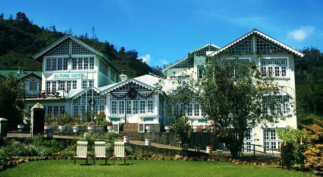 Alpine Hotel - ヌワラ・エリヤ - 建物