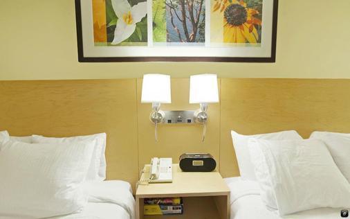 ホテル ネクサス - シアトル - 寝室
