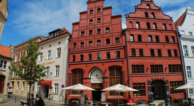 Romantik Hotel Scheelehof - Stralsund - 建物