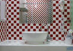 NL コンセプト ホテル - 高雄市 - 浴室