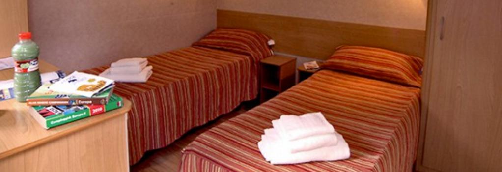 フラミニオ ヴィレッジ バンガロー パーク - ローマ - 寝室