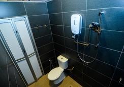 コージー コージー ベンチャー - George Town - 浴室