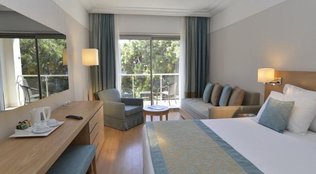Turquoise Hotel - シダ - 寝室