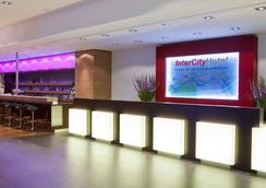 インターシティホテル ベルリン ハウプトバーンホフ - ベルリン - ロビー