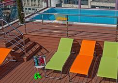 ホテル ノヴス - アテネ - プール