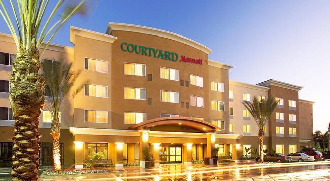 Courtyard by Marriott Anaheim Resort/Convention Center - アナハイム - 建物