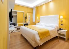 トレビ 41 ホテル - ローマ - 寝室