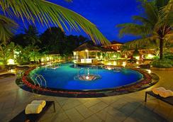 The Royale Gardens Hotel - Alappuzha - プール