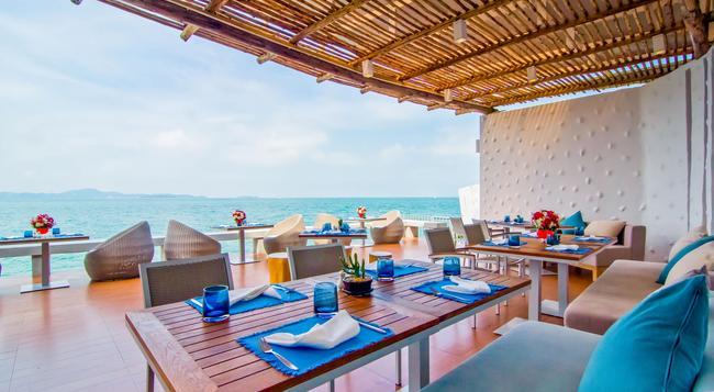 Royal Cliff Beach Hotel - パタヤ - レストラン