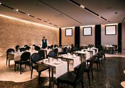 ホテル レギナ マルゲリータ - カリアリ - レストラン