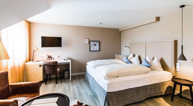 ホテル クノブラウフ - フリードリヒスハーフェン - 寝室