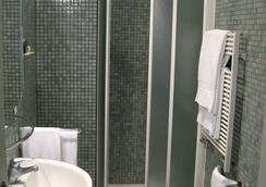 リリウム ホテル - ローマ - 浴室