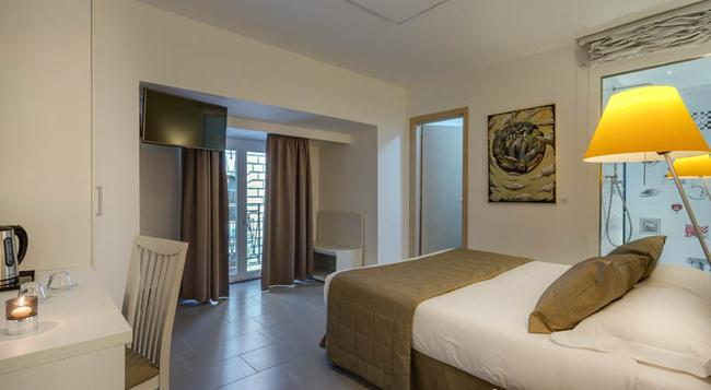 Trevi Palace Hotel - ローマ - 寝室