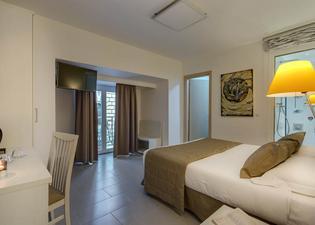トレビ パレス ホテル