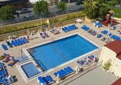 ホテル セルビグループ オレンジ - ベニドーム - プール