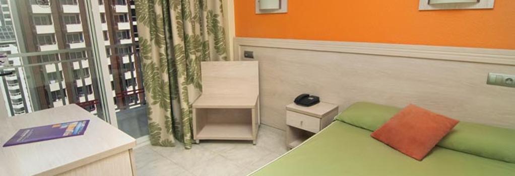 ホテル セルビグループ カリプソ - ベニドーム - 寝室