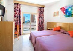 ホテル セルヴィ グループ ネレオ - ベニドーム - 寝室