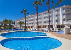 Hotel Servigroup Romana - アルコセブレ - プール