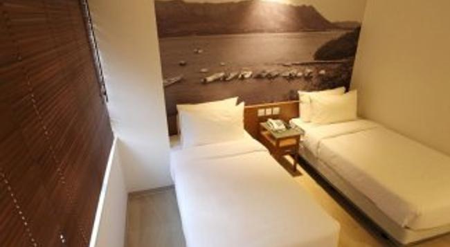 ザ サルベーション アーミー - ブース ロッジ - 香港 - 寝室