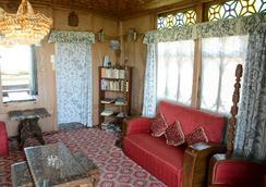 Houseboat Zaindari Palace - Srinagar (Jammu and Kashmir) - ロビー