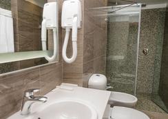 Center Hotel - サンクトペテルブルク - 浴室