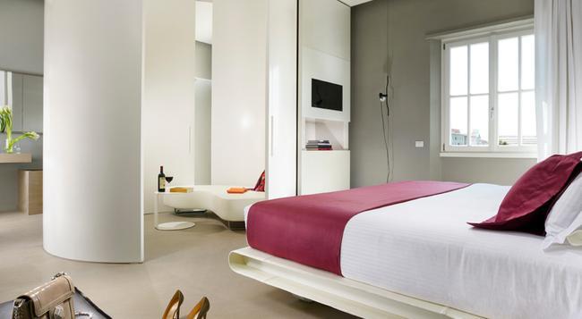 パラッツォ モンテマルティーニ - ローマ - 寝室