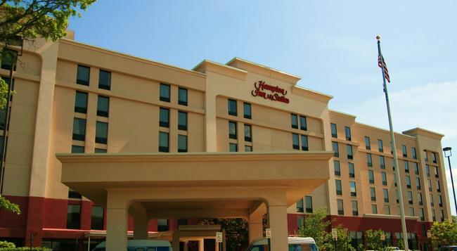 Hampton Inn & Suites Alexandria Old Town Area South - アレクサンドリア - 建物