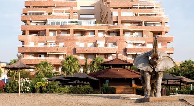Apartamentos Turísticos Marina d'Or 2 Línea - Oropesa del Mar - 建物
