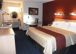 Rodeway Inn - Fort Wayne - 寝室