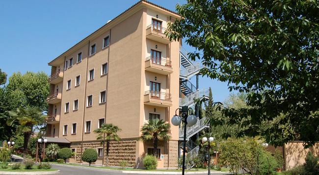 ホテル チリチア - ローマ - 建物