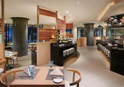 ランデブー ホテル シンガポール バイ ファー イースト ホスピタリティー - シンガポール - レストラン