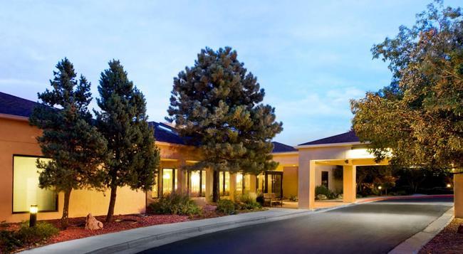Courtyard by Marriott Denver Tech Center - グリーンウッドビレッジ - 建物