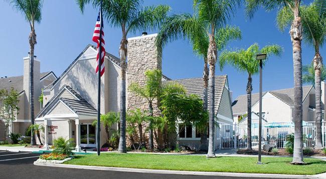 Residence Inn by Marriott Irvine Spectrum - アーバイン - 建物