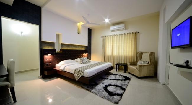 Serenity Inn La Vista - ハイデラバード - 寝室