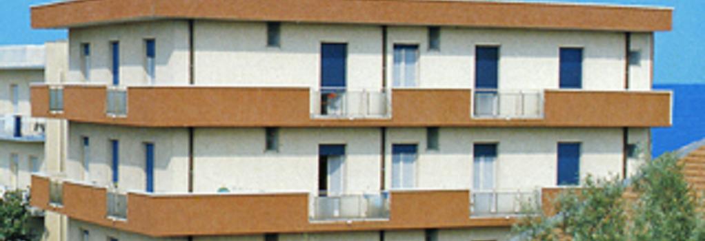 Hotel Napoleon - リッチョーネ - 建物