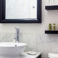 ユーロスターズ ウォール ストリート Bathroom Sink